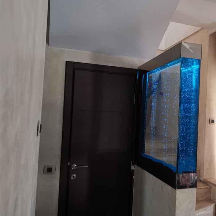 Plazna akvarijum kao pregradni zid