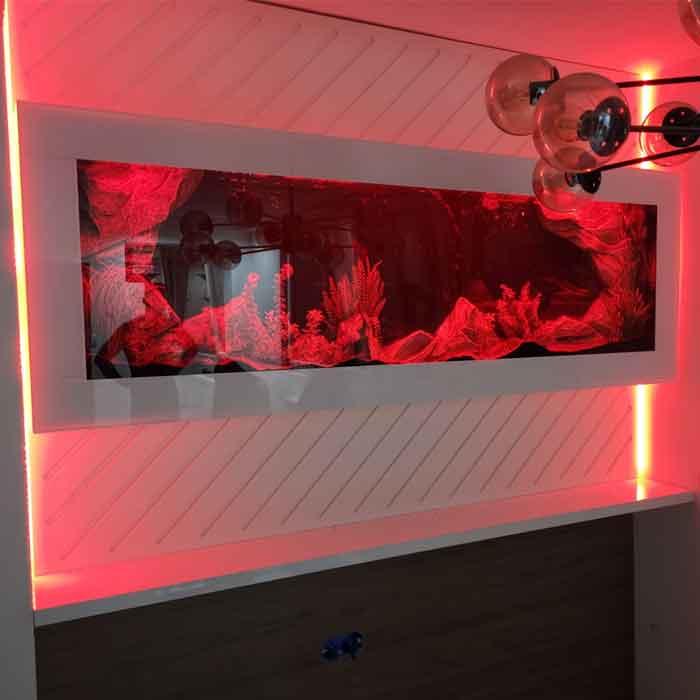 Plazna akvarijum sa crvenim pozadinskim svetlom i belom maskom - kalkulator cena