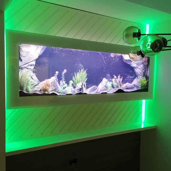 Plazna akvarijum sa zelenim pozadinskim svetlom i belom maskom - kalkulator cena