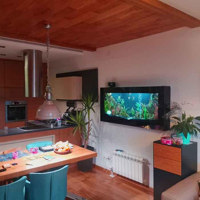 Plazna akvarijum u trpezariji
